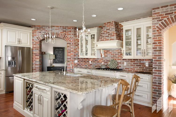 Manufactured veneers brick wall in kitchen