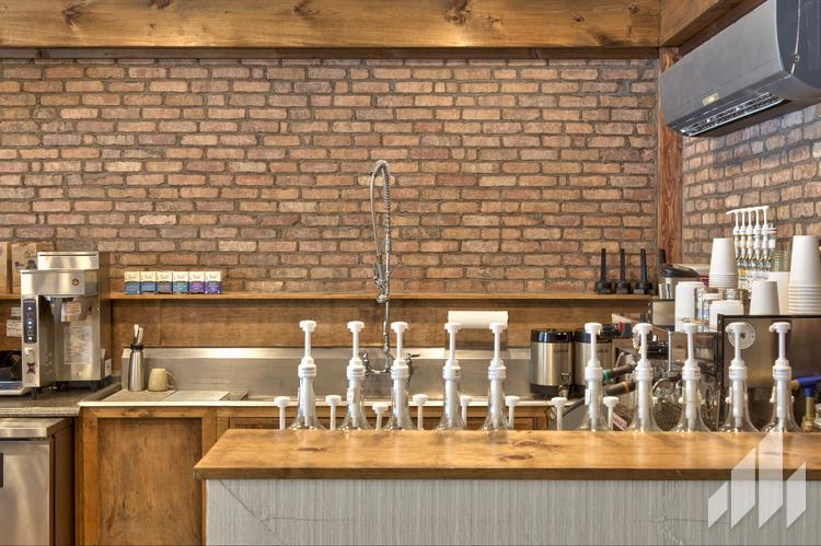 Manufactured veneers brick wall for wet bar